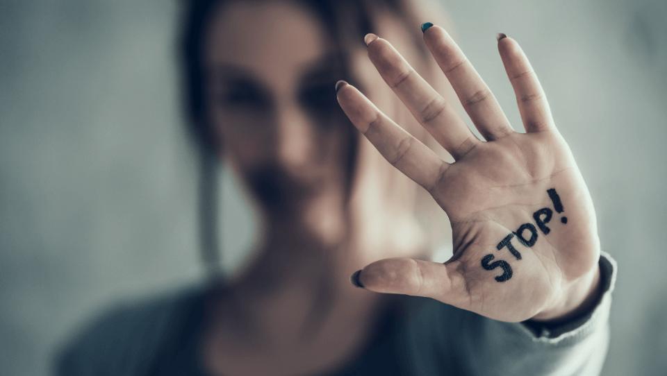 Mieux identifier la violence domestique